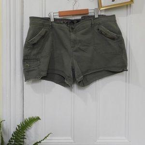 Green Khaki Shorts - Maurices Sz 24